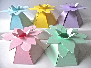 FLOWER Top Gift Box Assorted Pastel Coloured Card  x 10